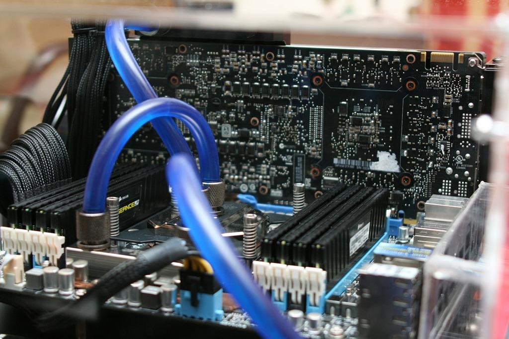 BTOパソコンを改造するリスクや保証はどうなるのかという話
