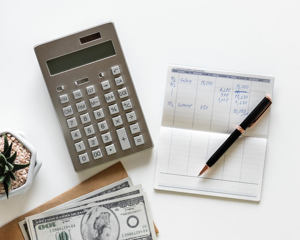 【初心者必見】パソコンの予算・相場感を知って大損を防ぐ