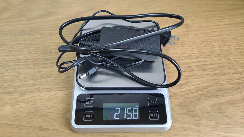 ゲーミングPC_デスクトップ_ノート_どっち スタンダードPCの充電の重さ