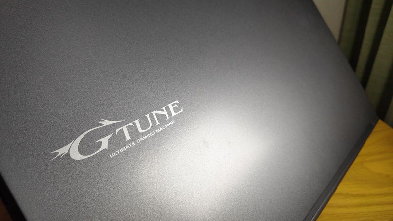 G-Tune E5-144のデザイン1