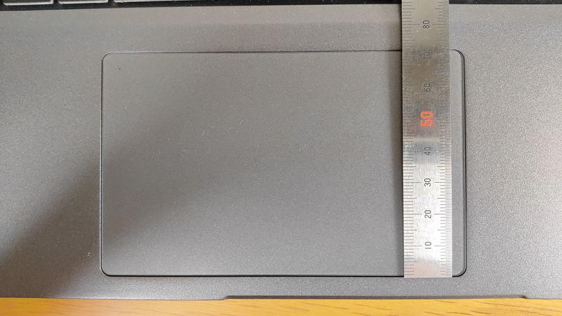 G-Tune E5-144のタッチパッドの縦の長さ