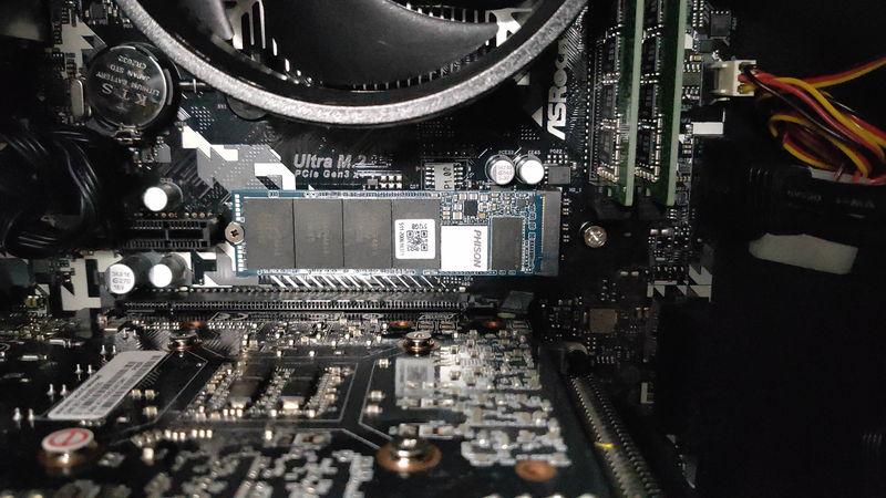 GALLERIA RM5R-G60SのHDD・SSDスロット1