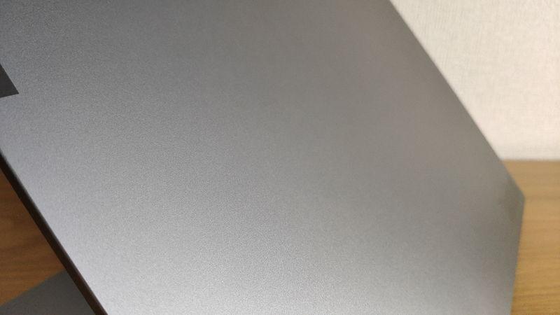 レノボ ThinkBook 15のデザイン1