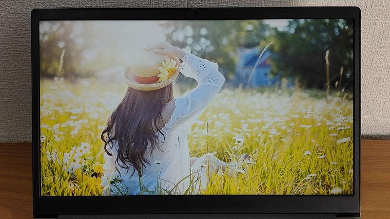 レノボ ThinkBook 15の明るい画像