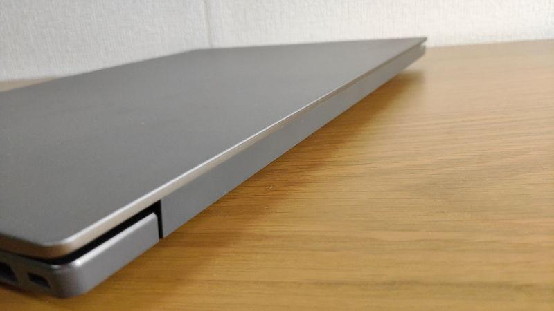 レノボ ThinkBook 15のヒンジ2