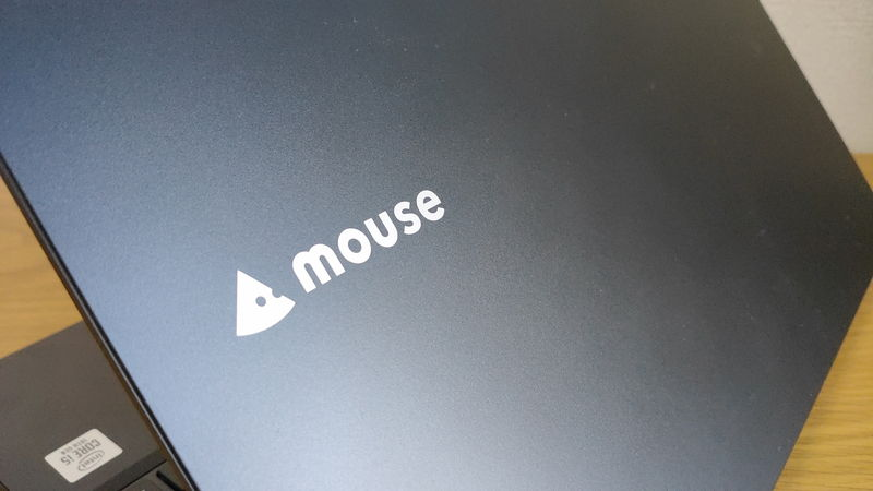 mouse F5の天板のロゴ